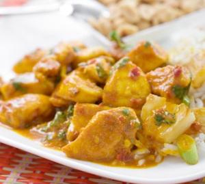 Kip-in-kerriesaus-ananas www.elsrecepten.com